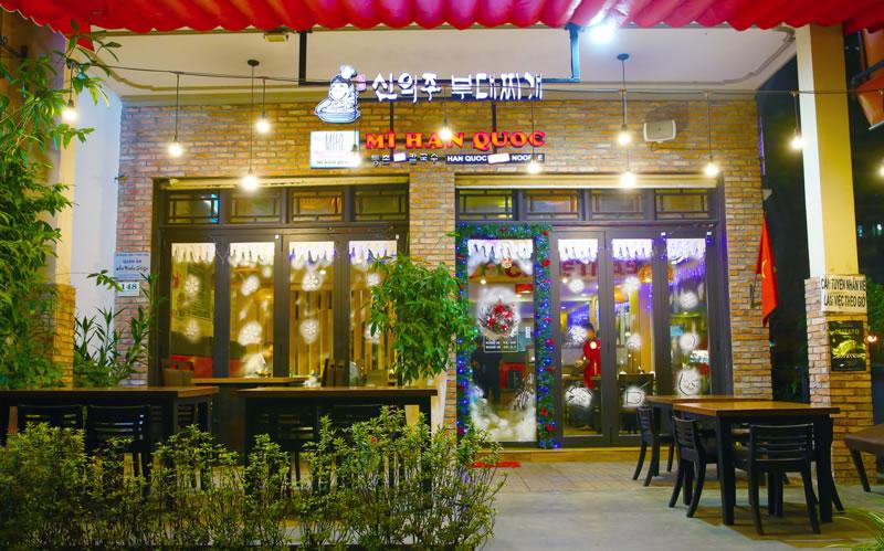 Thiết kế thi công quán mỳ cay tại TP Vinh Nghệ An